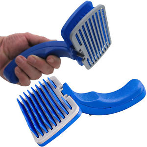 Self Cleaning Pet Hair Brush Clean