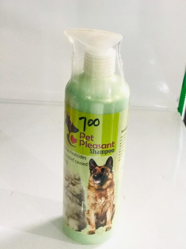 PET PLEASANT SHAMPOO FOR DOGS & CATS